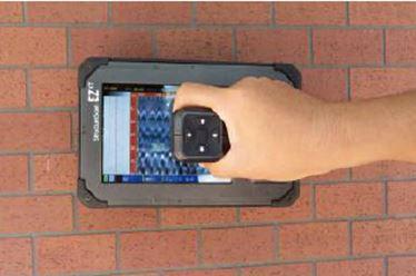 2D測定方法:コンクリートの上(測定面)を前進させ、波形を出します。