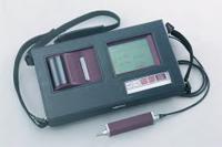 大容量バッテリを搭載し、フル充電時には約600回の測定が可能