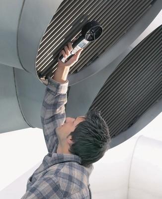 测量风管出口和入口处的风速(风量)
